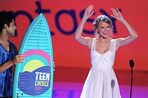 Taylor Swift at Teen Choice Awards 2012 - Show