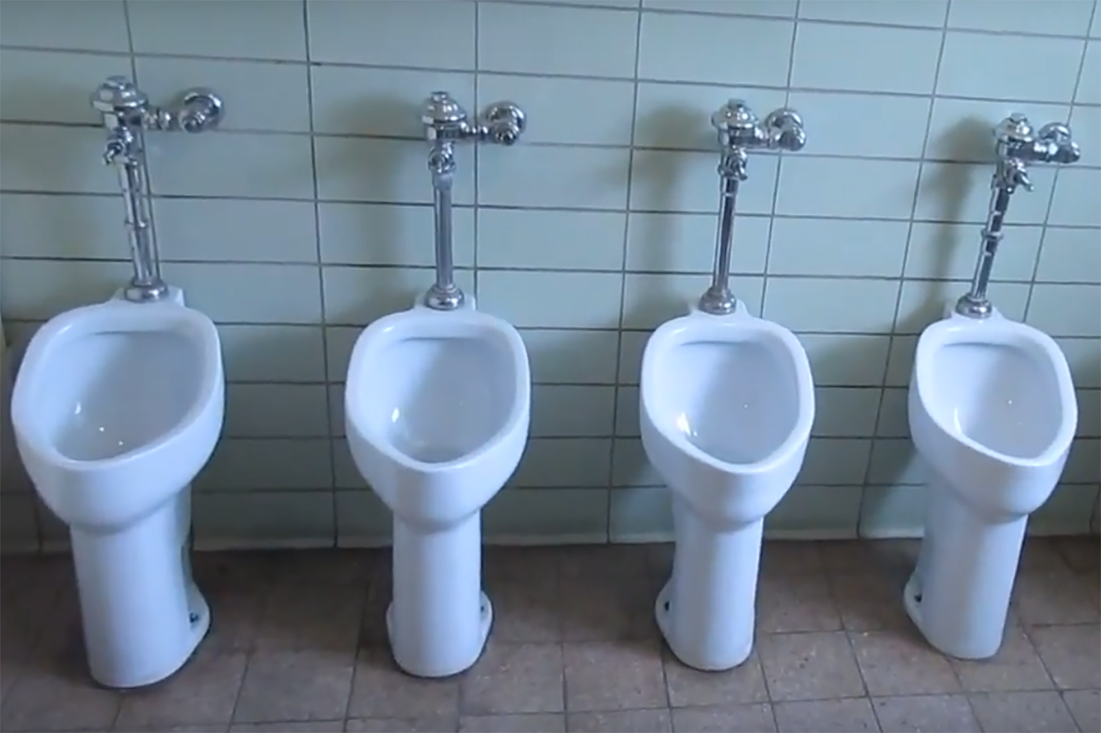 YouTube Channel Documents \'Vintage\' Toilets Across Wyoming